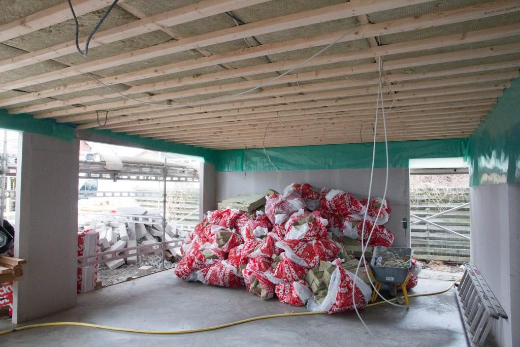 Rester af rockwool i garagen