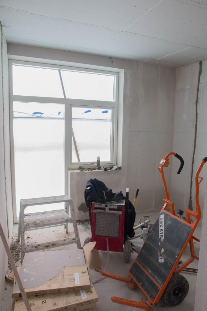 Et af pigernes værelse, også godt rodet til.