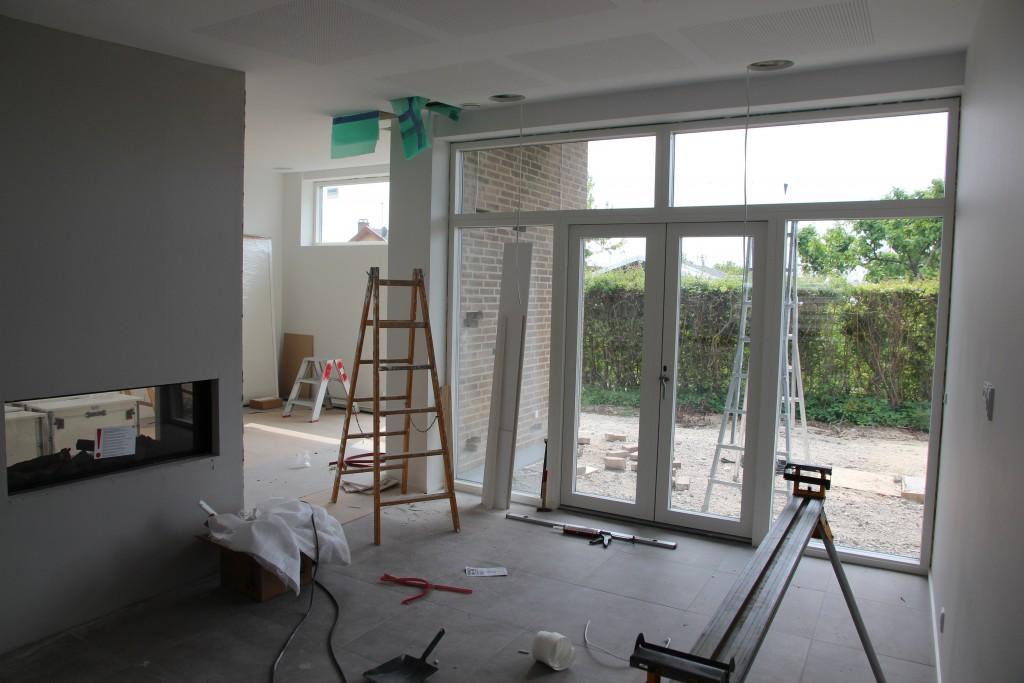 Køkkenalrum (ja nu med et ekstra hul i loftet ifht. sidste uge)
